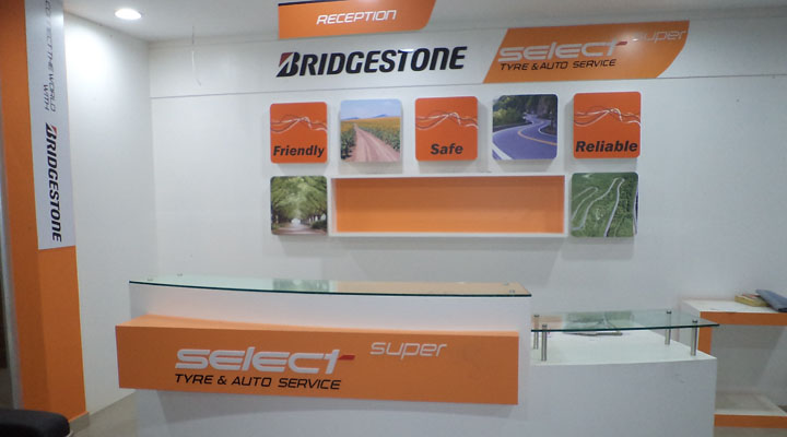 Retail Display Bridgestone